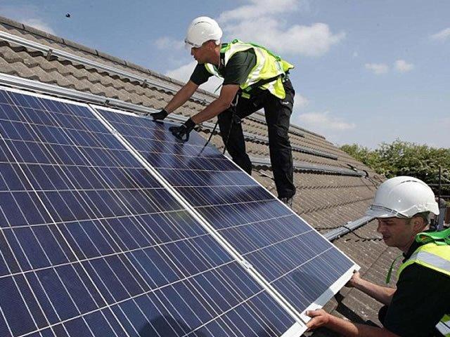 instalando energia solar residencial
